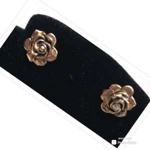Jewelry - EARRINGS ROSES FLOWERS GOLD TONE WOMENS JEWELRY